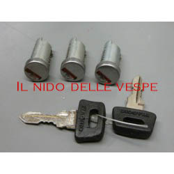 KIT 3 SERRATURE PER VESPA PX 125-150-200 ARCOBALENO, PK 50-125,